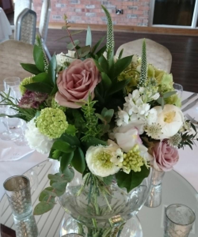 Flower vase centrepiece